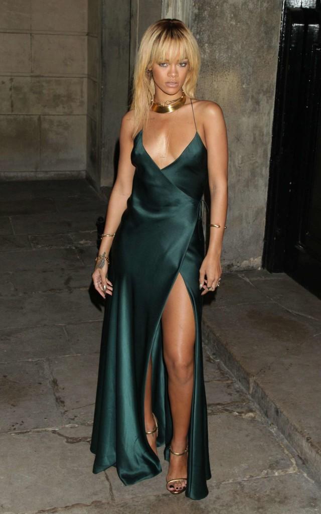 Rihanna - Stella McCartney Special Presentation during London Fashion Week-01