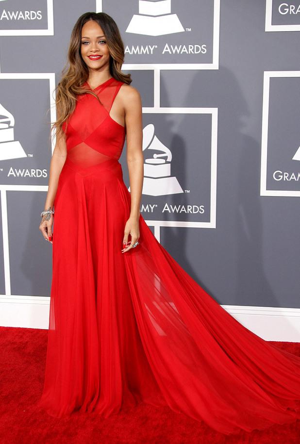 rihanna_red_dress