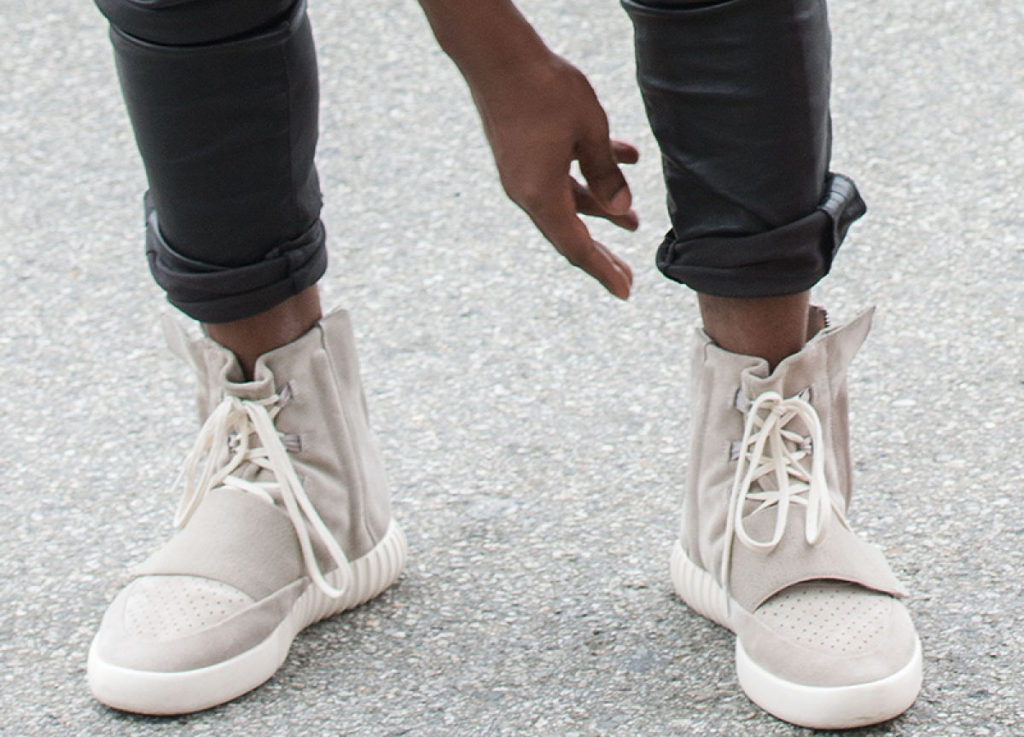 kanye-west-adidas-yeezy-750-boost-release-date-location-online-restock-2015 (1)