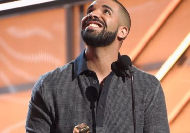 Drakes Iconic BBMAs awards