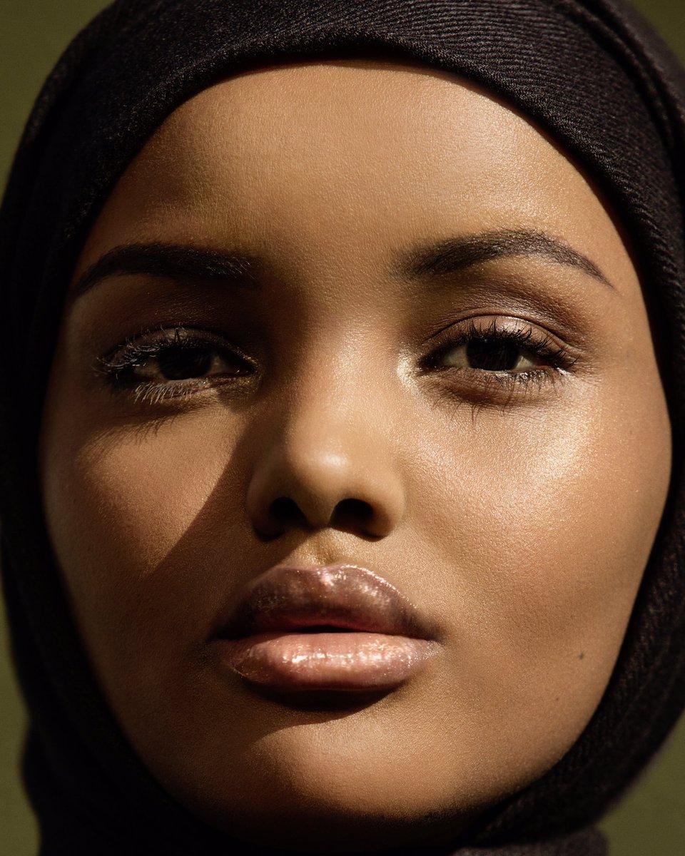 Fenty Beauty foundation Rihanna