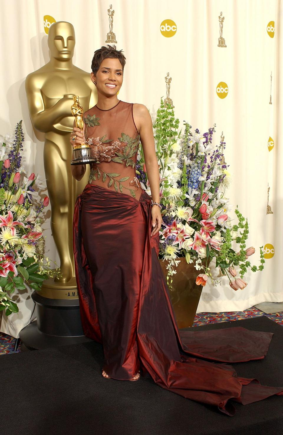 Halle Berry in Elie Saab at the Oscars 2002. Photo by Frank Micelotta/Getty Images